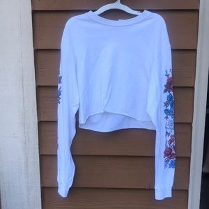 Cropped long sleeve with roses on arms